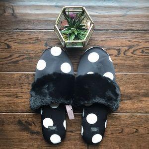 NWT Victoria's Secret signature satin slippers Med